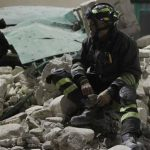 Amatrice: Vigile eroe napoletano salva due bambini